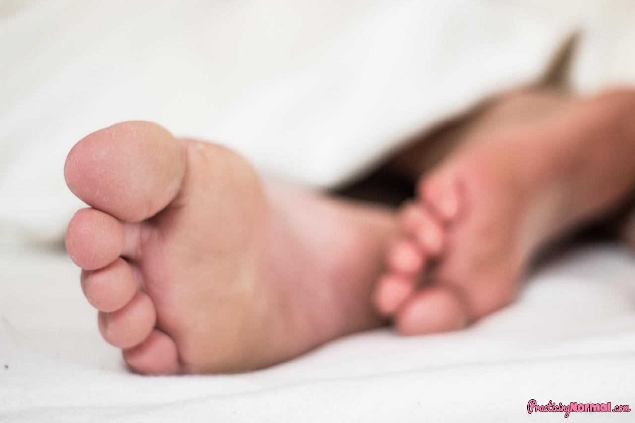 sleep sleepy toes nap feet exhausted